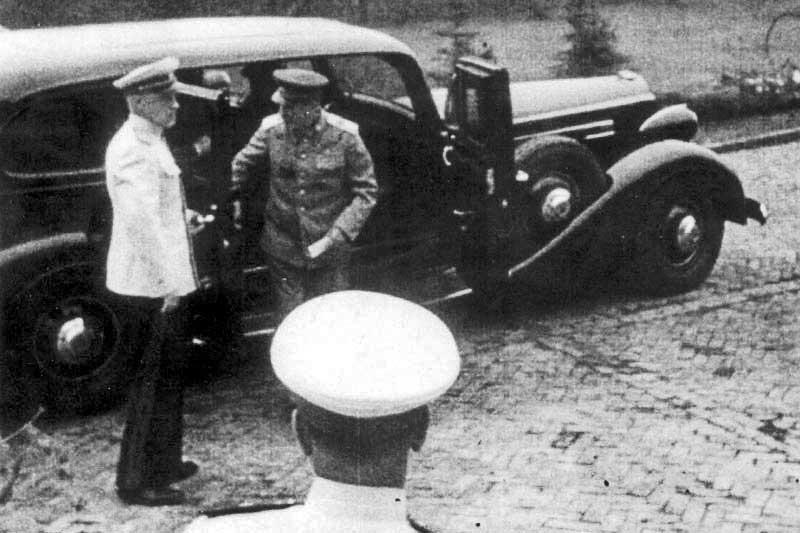 1937 Packard Super 12 Сталин.jpg