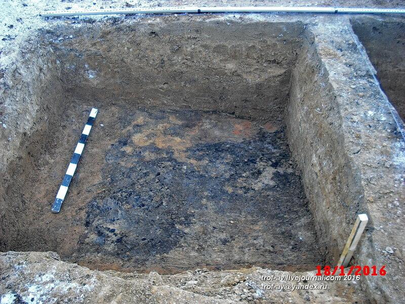 Следы средневекового пожара в раскопе, охранные раскопки в Кубинке, январь 2016