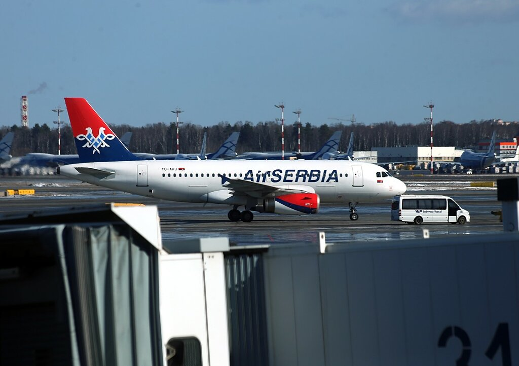 Аэропорт Шереметьево. YU-APJ Air Serbia Airbus A319