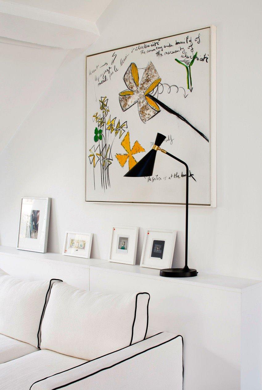 Парижская квартира в светлых тонах с яркими акцентами 3