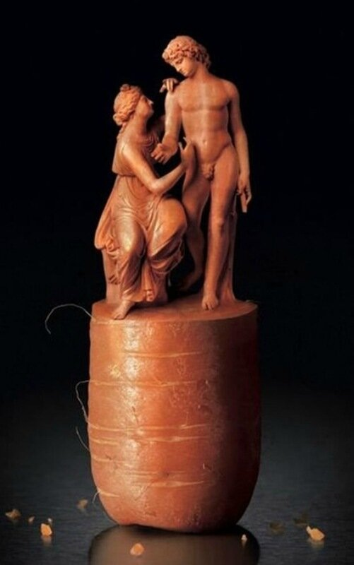 Овощи, фрукты и прочие продукты использовались для креативных скульптур