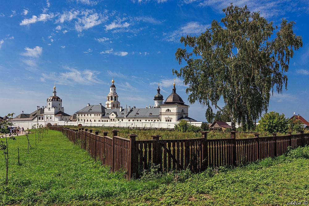 Свияжск, Свияжский Богородице-Успенский мужской монастырь