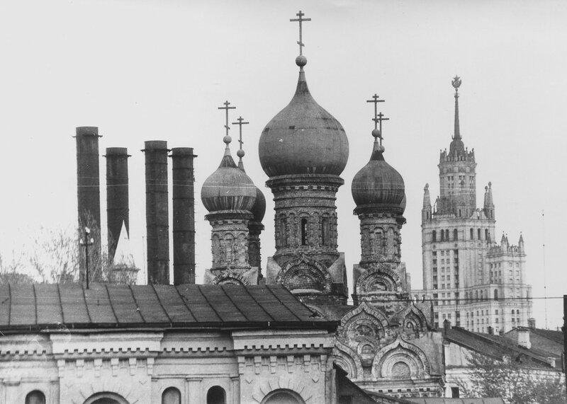 72036 Вид с Москворецкого моста Панафидин В 1974.jpg