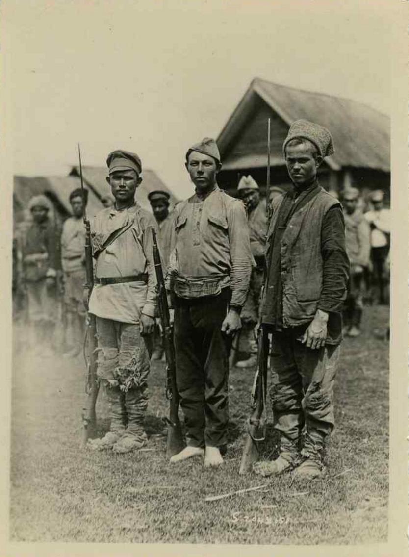 1919. Колчаковцы без обуви и обмундирования. Форма, сапоги и одеяла были украдены интендантами и проданы гражданским