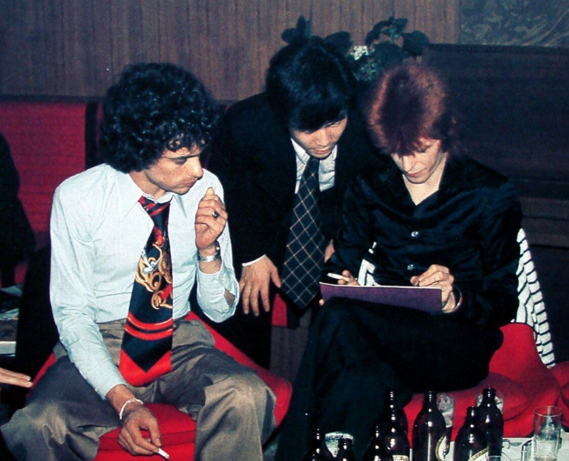 1973. Дэвид Боуи раздает автографы на борту «Феликса Дзержинского»