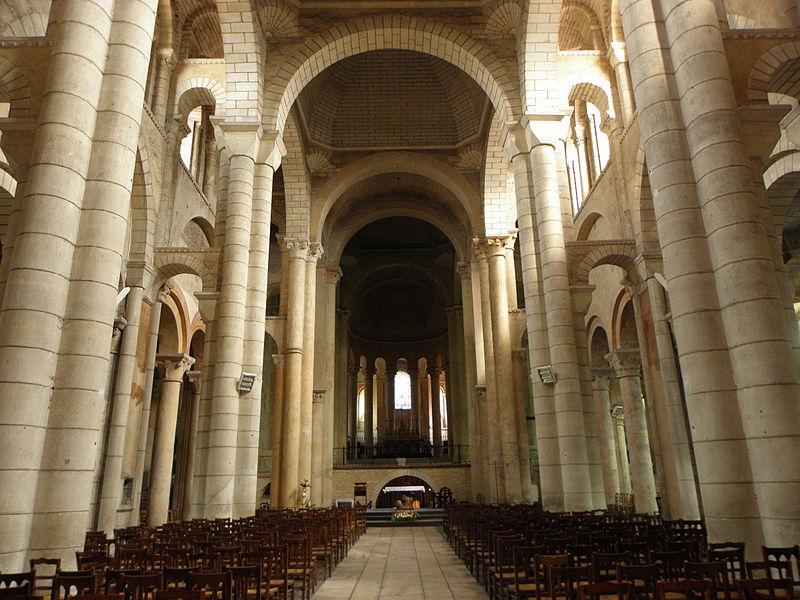 800px-Poitiers_(86)_Église_Saint-Hilaire-le-Grand_02.JPG