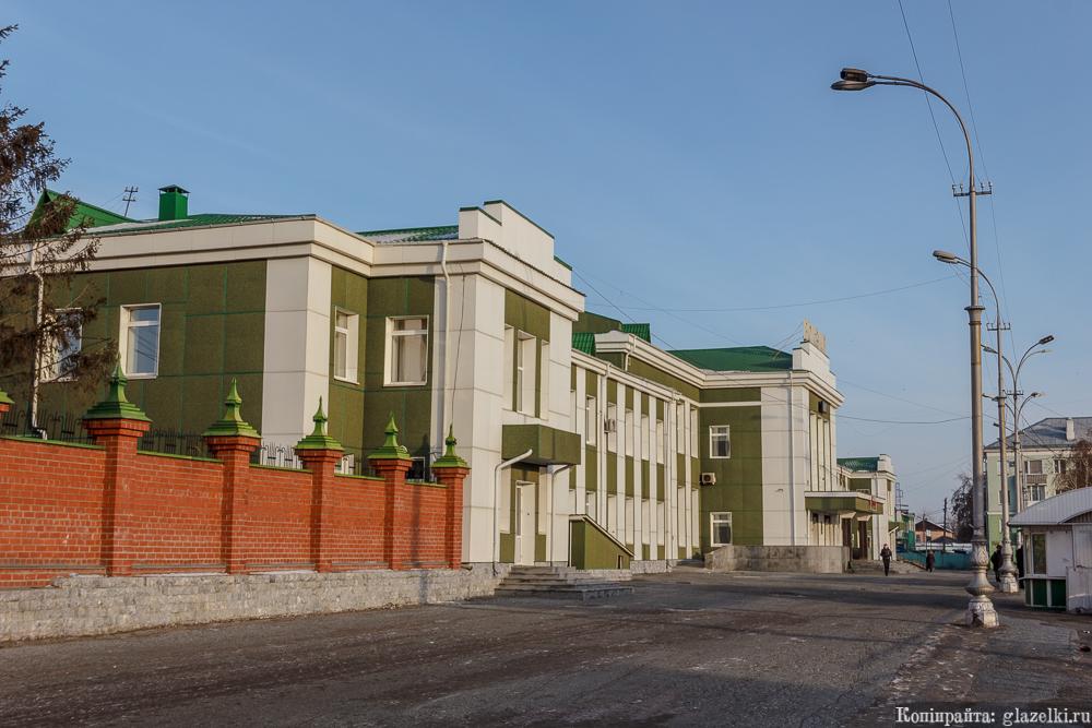 Привокзальная площадь Курган.