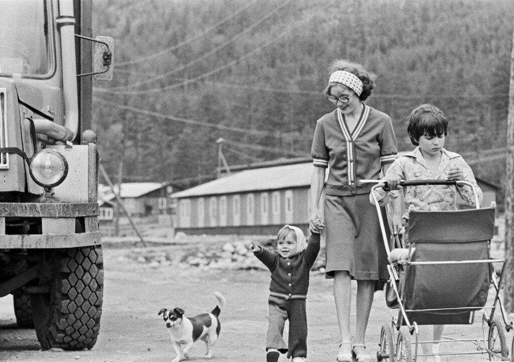 В поселке строителей БАМа, 1981 год