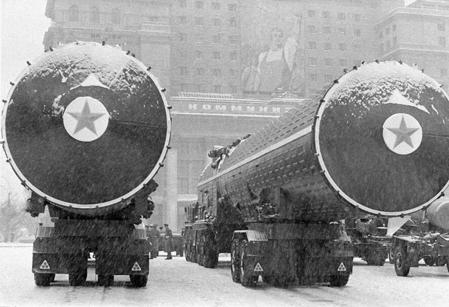 Ракетная техника перед парадом