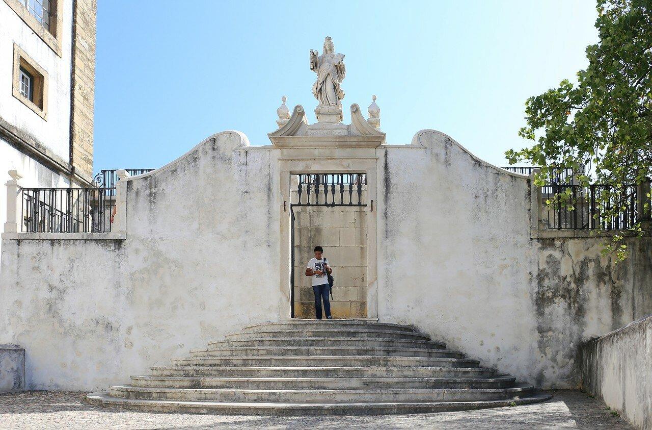 Коимбра. Университетский плац (Paço das Escolas)
