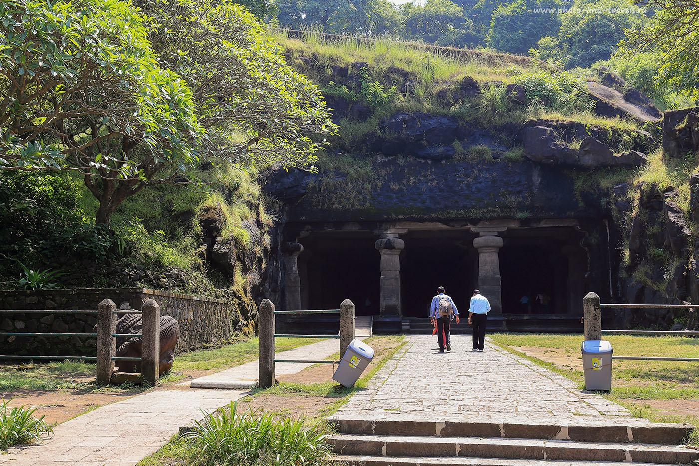 7. Вход в главную пещеру. Отзыв о самостоятельной экскурсии на остров Элефанта в Мумбаи. Путешествия по Индии. (24-70, 1/60, -1eV, f9, 35 mm, ISO 100)