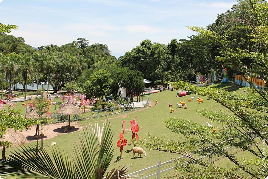 Площадка для игр самых маленьких посетителей зоопарка Кхао-Кхео