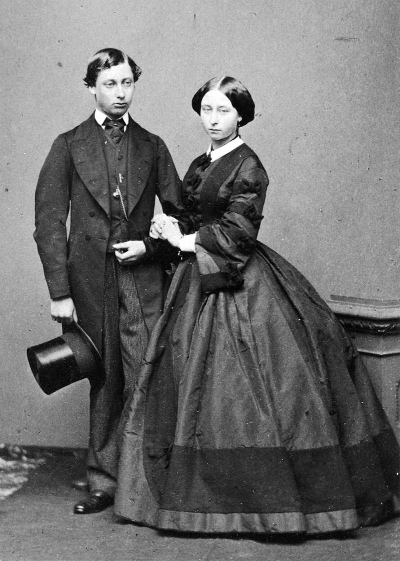 Принцесса Алиса с братом , принцем Уэльским, Эдуардом . 1860.