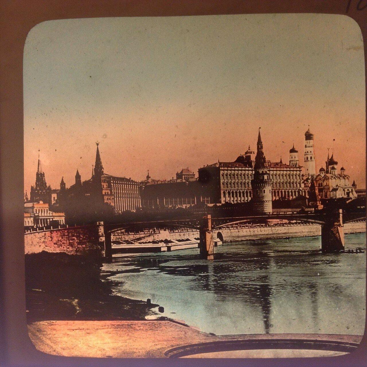 744. Вид на Кремль. 1910