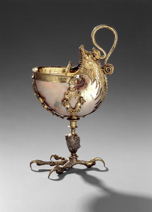 Nautilus cup on an eagle claw, before 1587. Silver, gilded. Nuremberg. © Staatliche Kunstsammlungen Dresden.jpg
