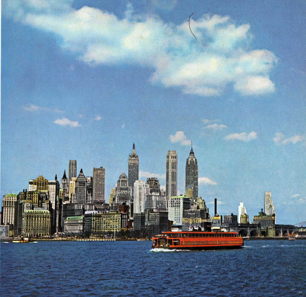 1945 Lower Manhattan from Staten Island Ferry.jpg