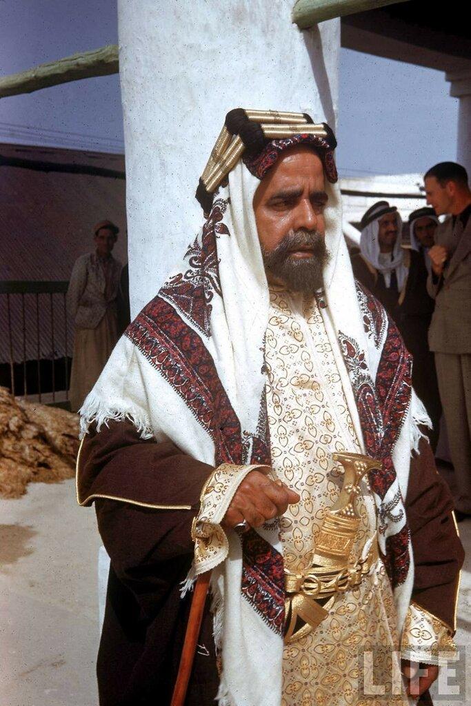 1945 Sheik of Bahrain Kessel.jpg