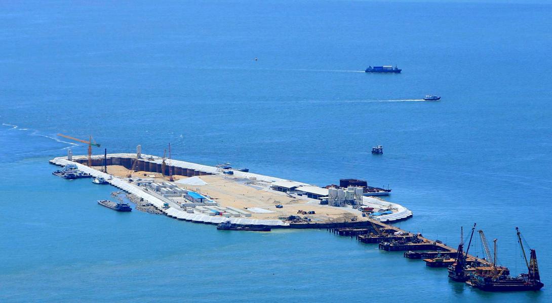 Мост построен за 4 года, и на его постройку было затрачено около 5,5 миллиардов фунтов стерлингов (н