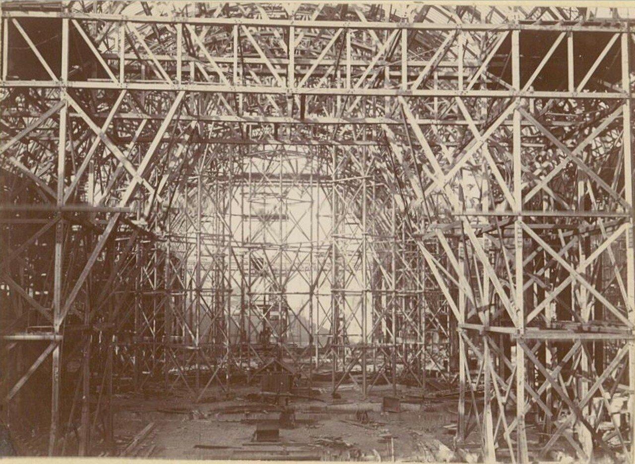Строительство Большого Дворца изящных искусств (строительные леса)