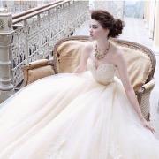 Невеста на диванчике