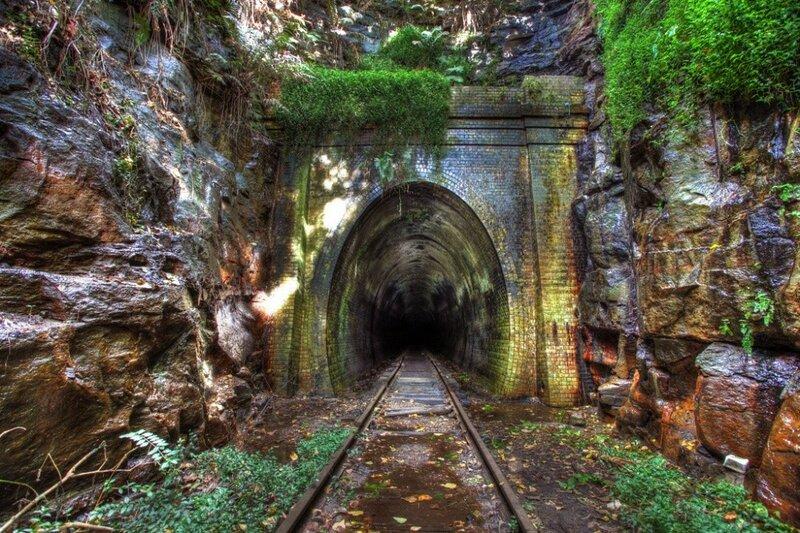 Заброшенный железнодорожный тоннель города Хеленсбург, закрыт в 1915 году