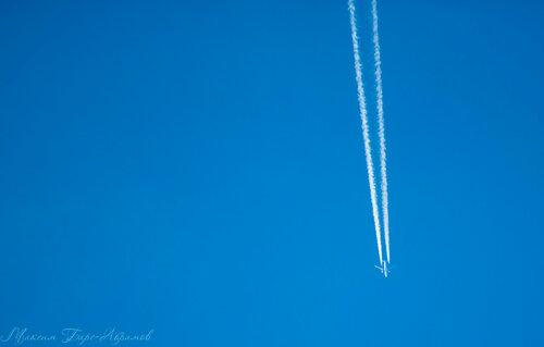 Самолёт над тайгой