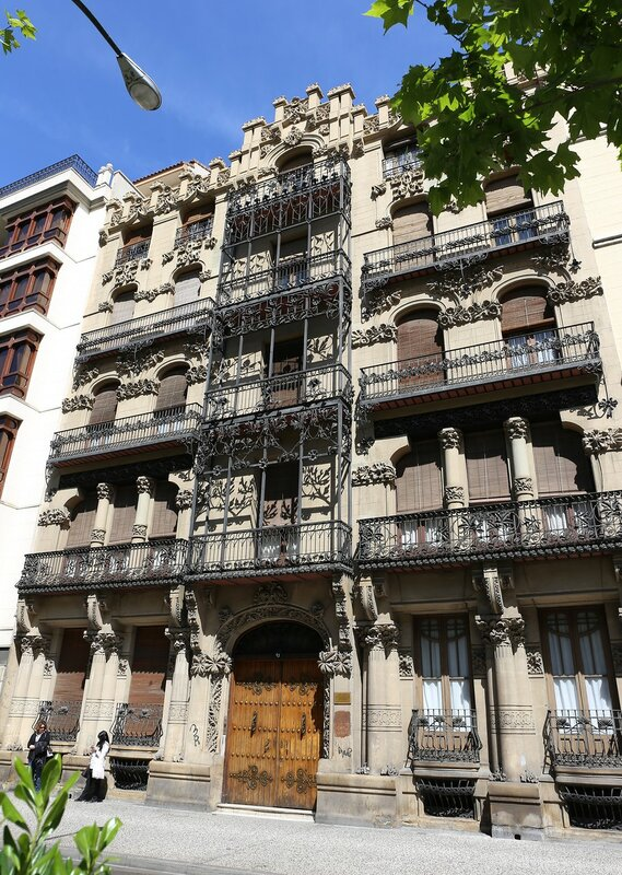 Arte Nouveau building on Paseo de Sagasta, Zaragoza