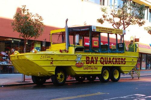 Туристическая машина-амфибия El Pato