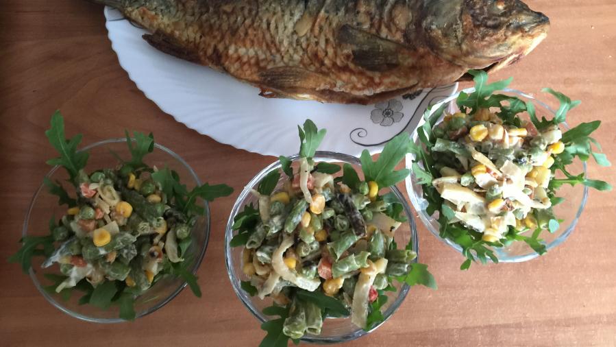 Салат с вяленым кальмаром