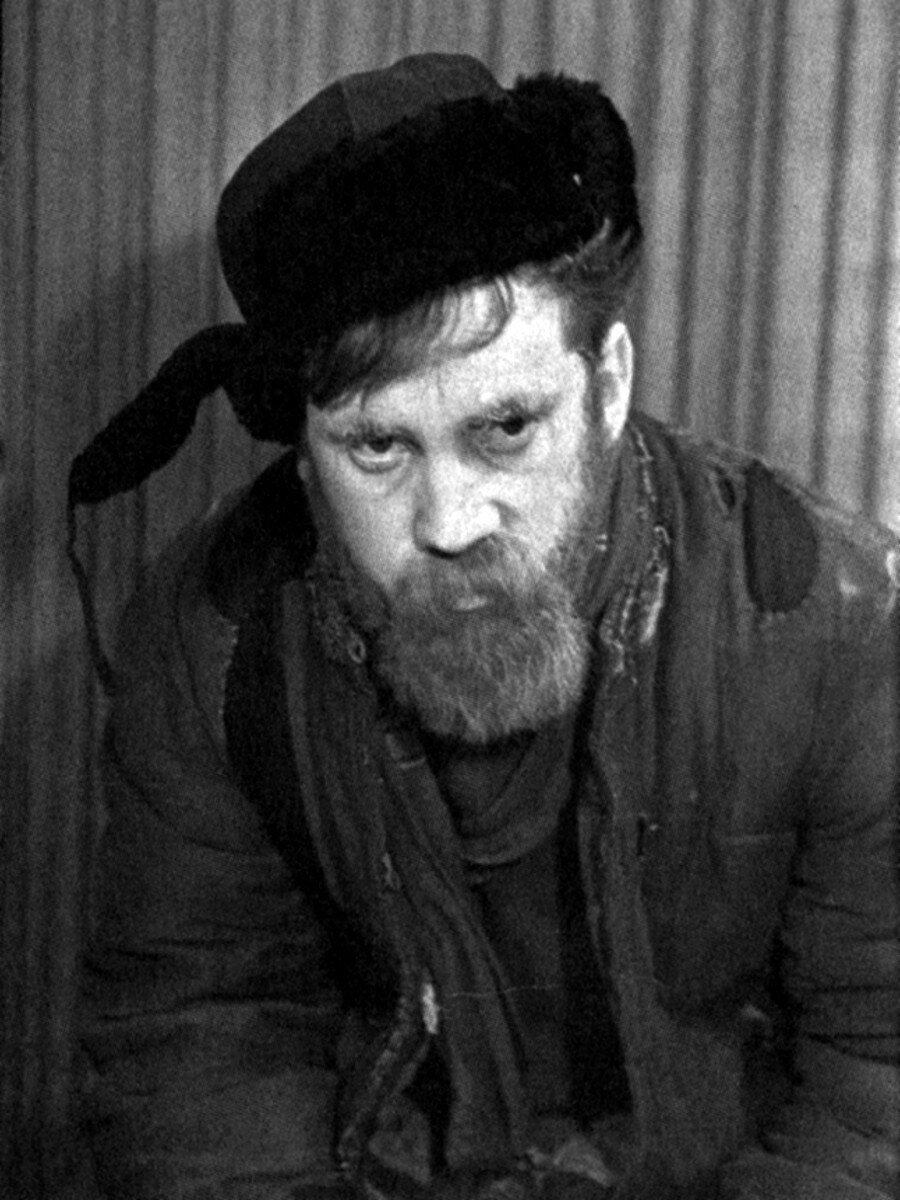 1960. Владимир Высоцкий в спектакле школы-студии МХАТ «Ведьма»