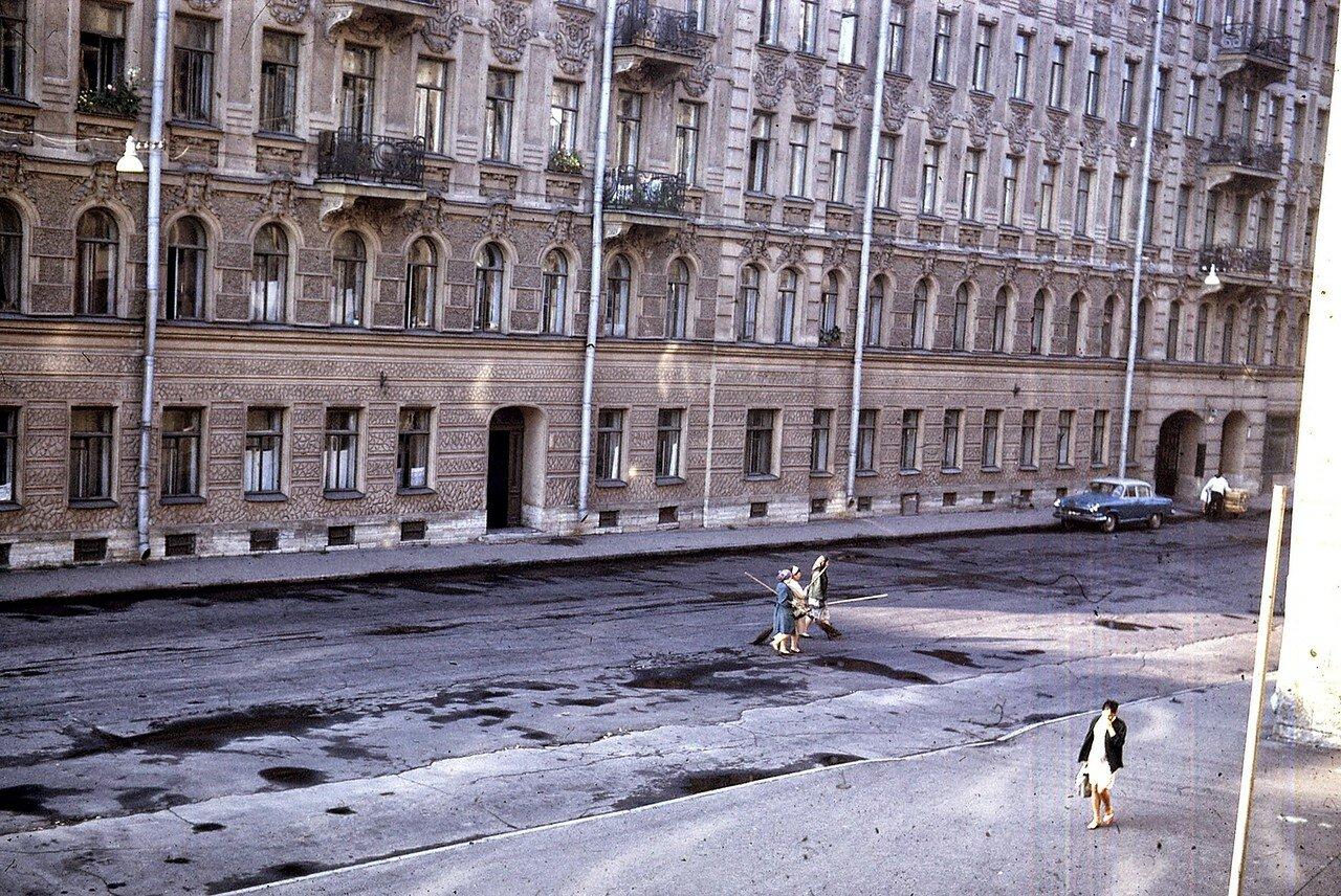Ленинград. Уличная сцена