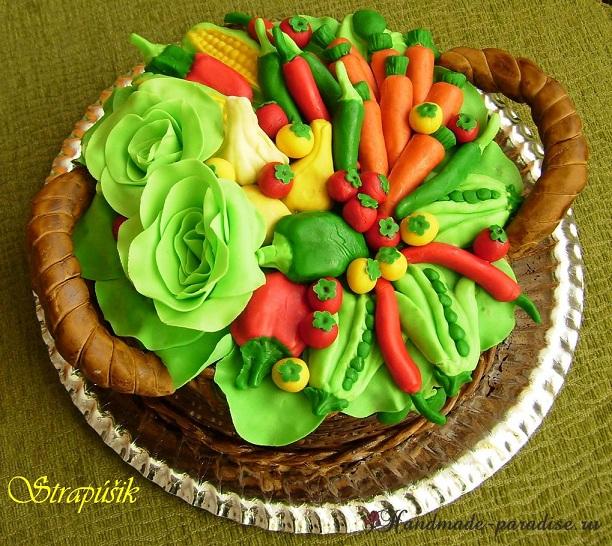 Торт из марципана. Корзинка с овощами