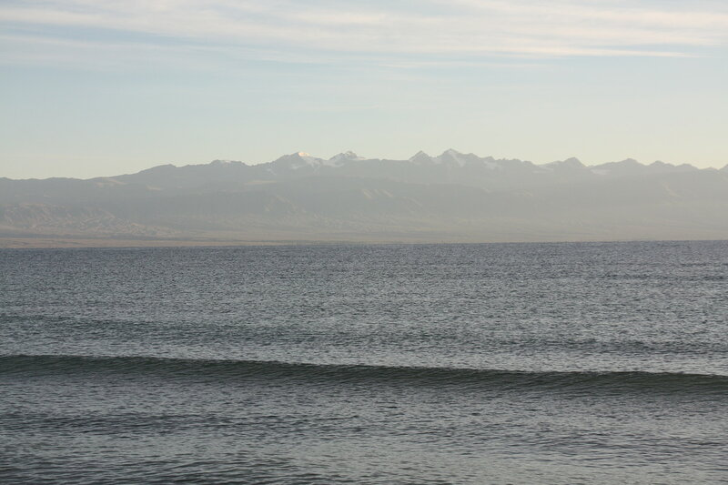 1470. озеро Иссык-Куль, Киргизия.JPG