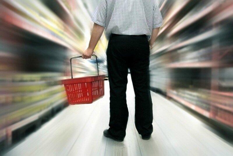 Покупка продуктов на рынке и в магазине
