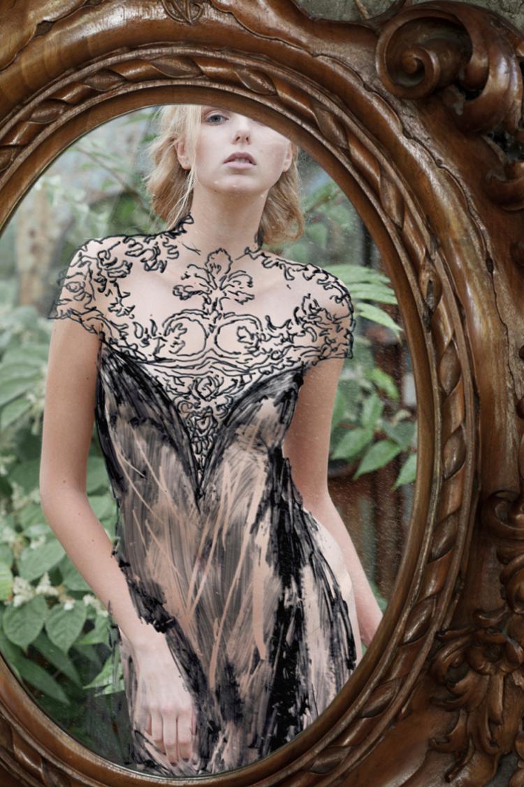 Художник создаёт необычные платья из…