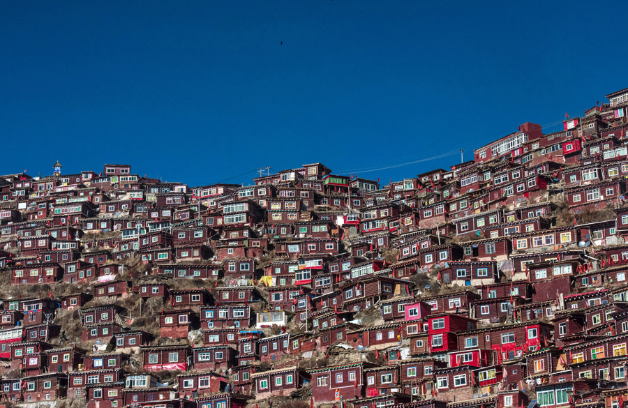 This picture taken on December 8, 2015 shows homes of Buddhist nuns and monks from the Larung Gar Bu