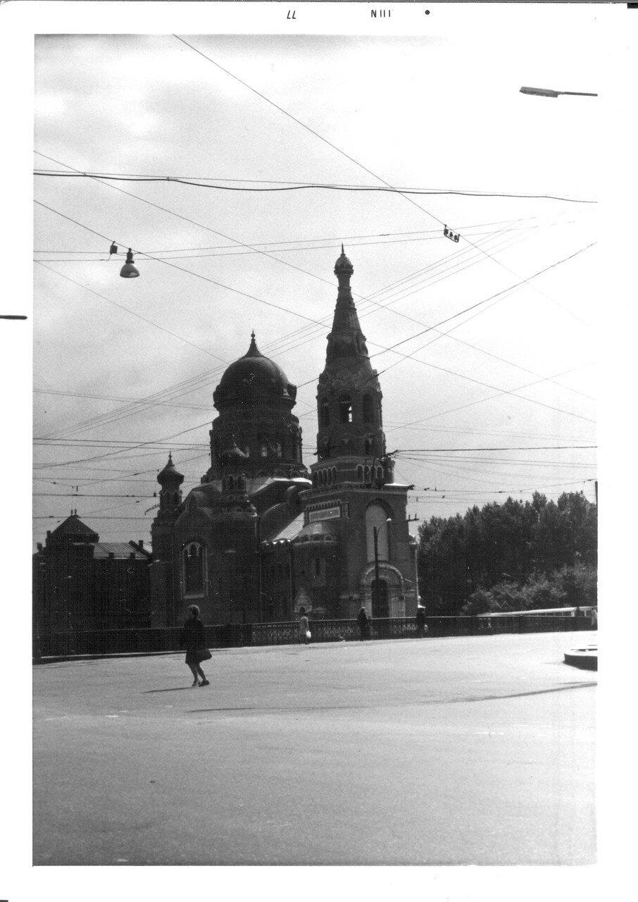 Церковь рядом с Московским проспектом