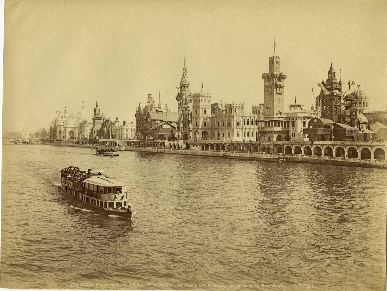30. Вид Дворца Наций с Сены
