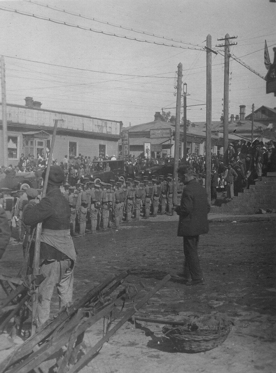 Почетный караул японских войск по случаю отбытия в Японию главнокомандующего генерала Отани