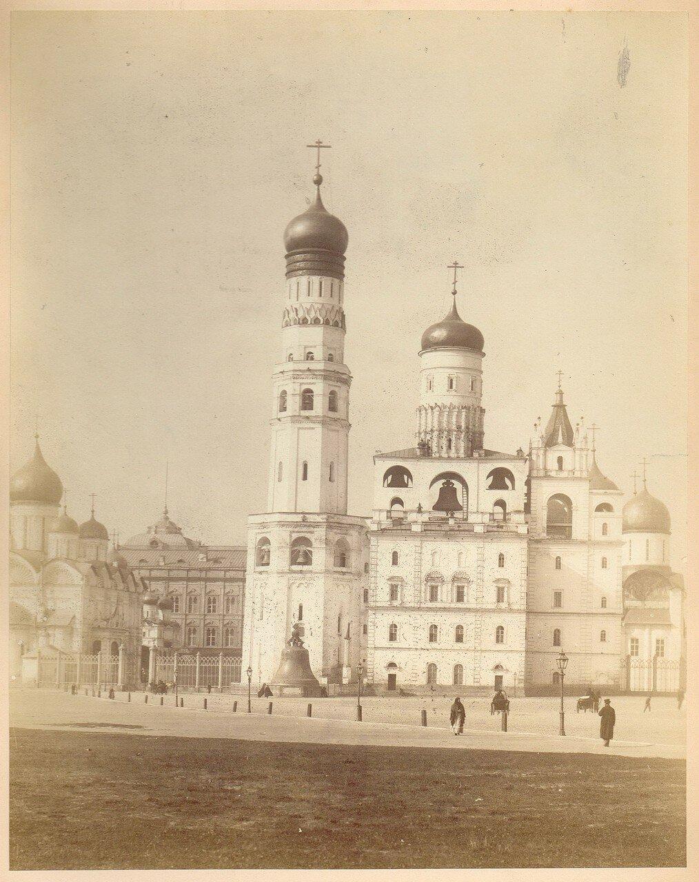 757. Кремль. Царь-колокол и Ивановская колокольня