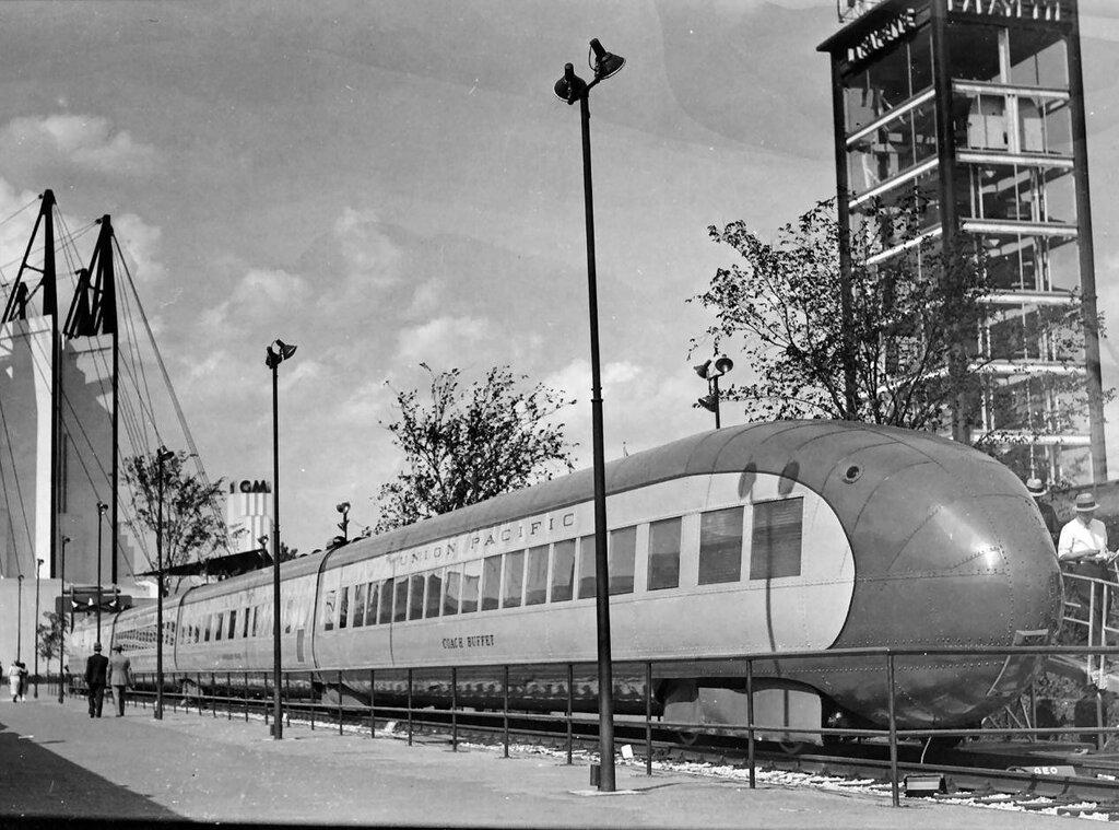 Union Pacific M-10001 '1934 4.jpg