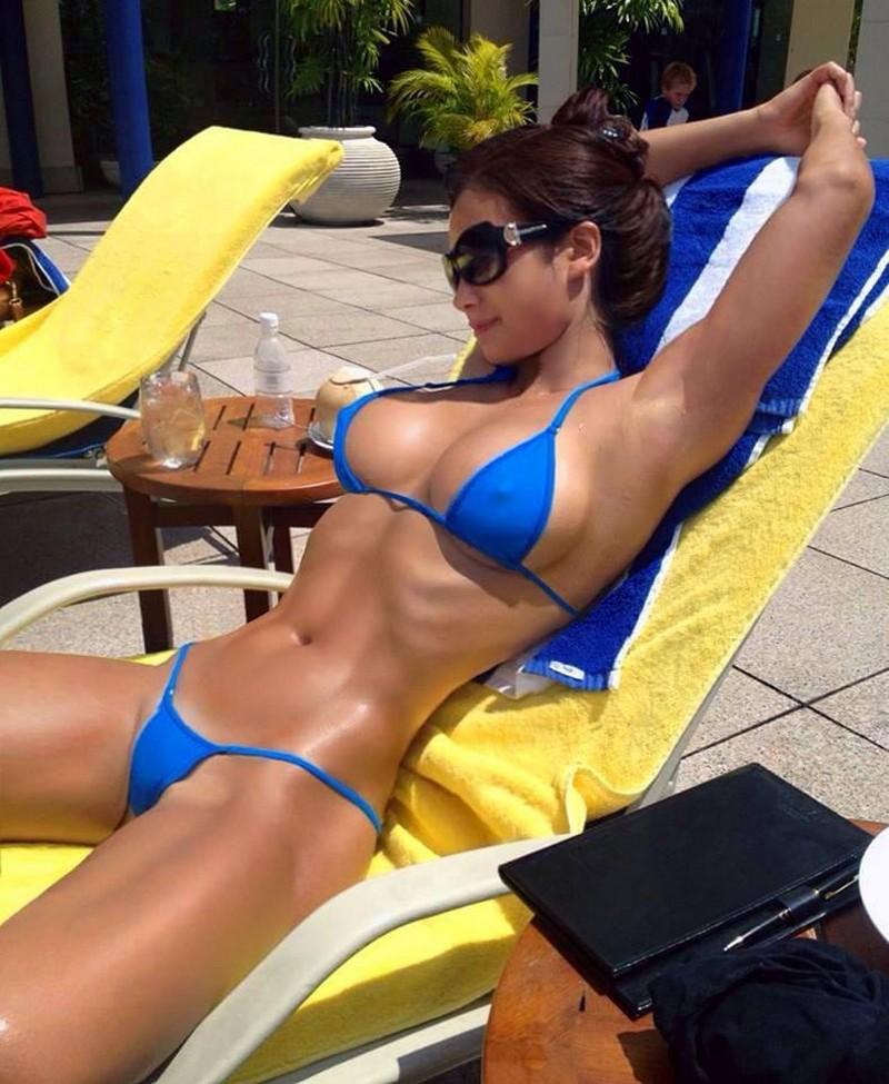 bikini-photo-sport-black-bikini-blowjob