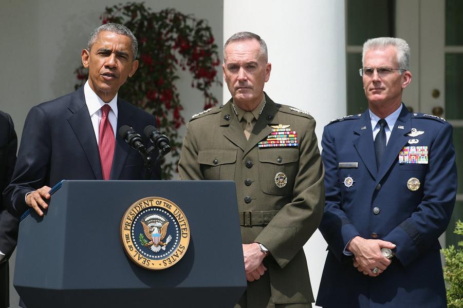 Обама и военные.png