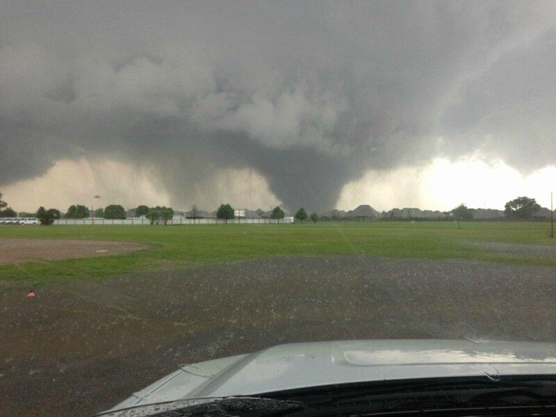 Фотографии сильнейших торнадо года. Впечатляющие снимки природной стихии 0 13fc89 68214491 XL