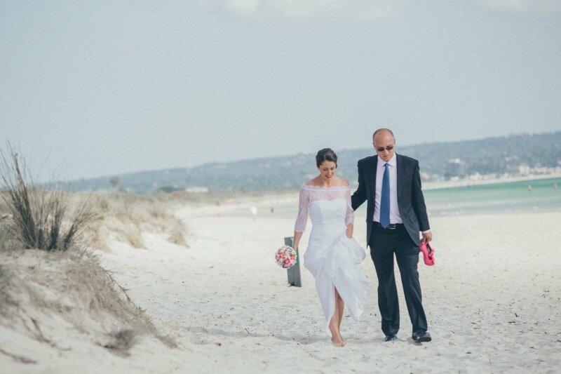 Молодожёны, гуляющие по воде. Красивая свадебная фотосессия 0 1cd5c1 4b6b557d XL