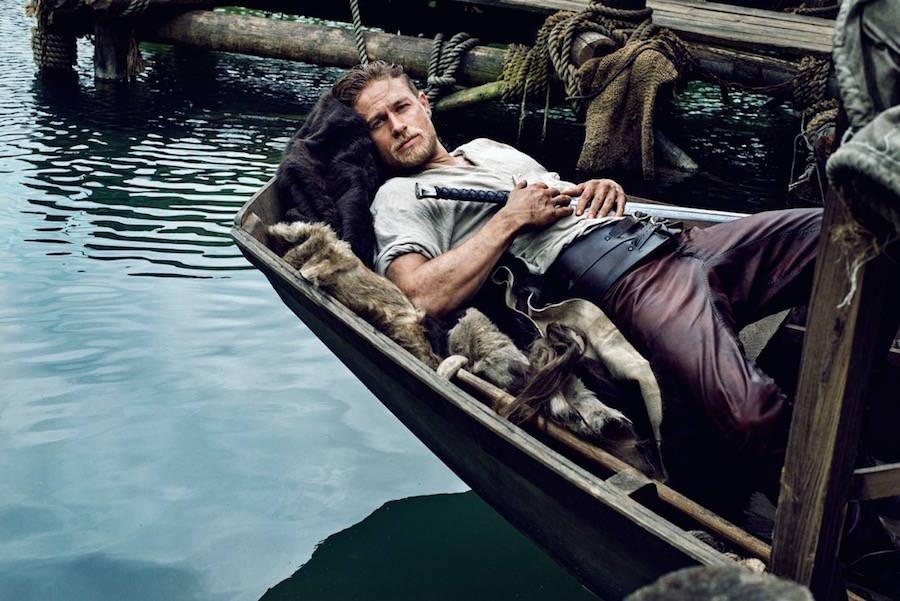 Актер Чарли Ханнэм в промосъемках к фильму «Рыцари Круглого стола: Король Артур». Премьера намечена