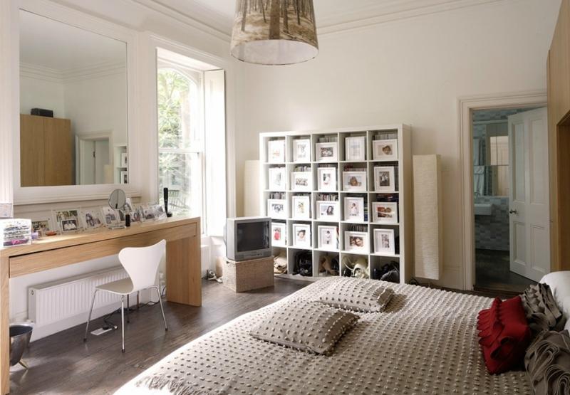 Дизайн интерьера спальни в светлых оттенках фото 9