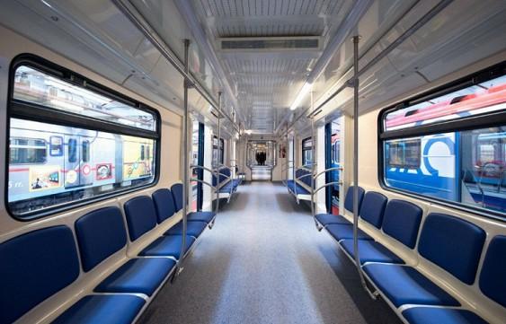 Встоличных поездах метро «нового типа» установят теплые поручни