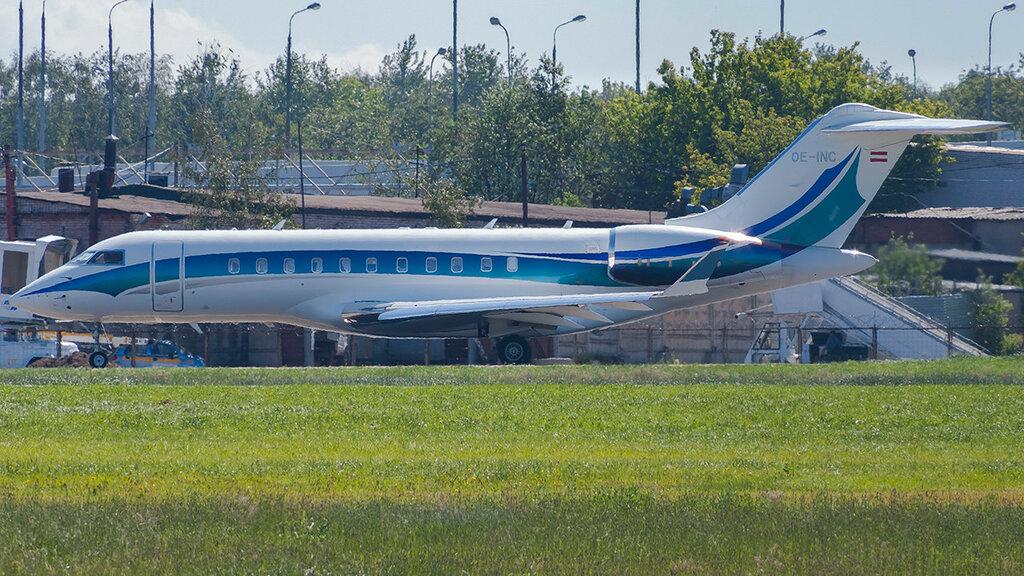OE-INC GL5T Global Jet Austria GMBH VKO 1.jpg