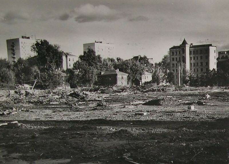104602 Cлом домов к Олимпиаде - Тополев переулок 1976 А. Сорокин.jpg